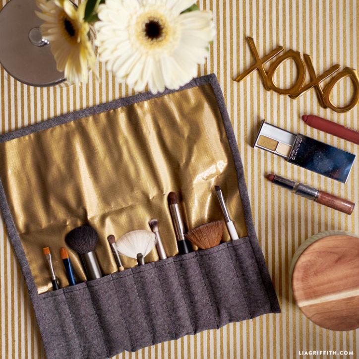 DIY makeup brush case