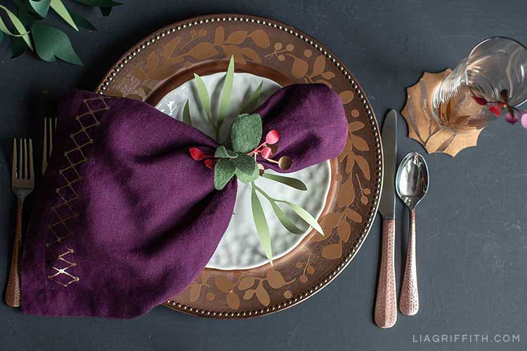 DIY place settings for holiday tablescape