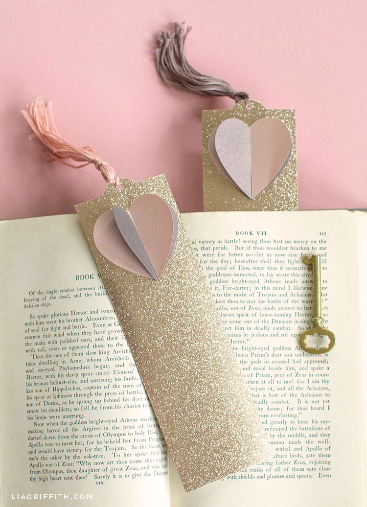 3D paper heart bookmarks with book and small gold key