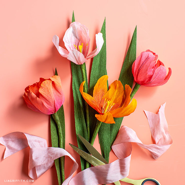 ombré crepe paper tulips in pink and orange