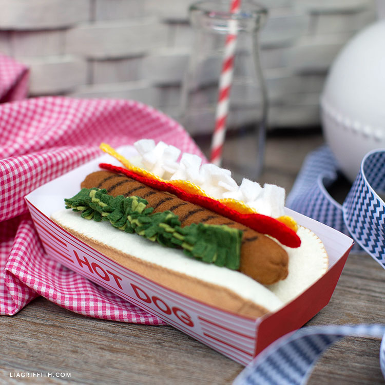 felt hot dog with toppings in paper hot dog tray