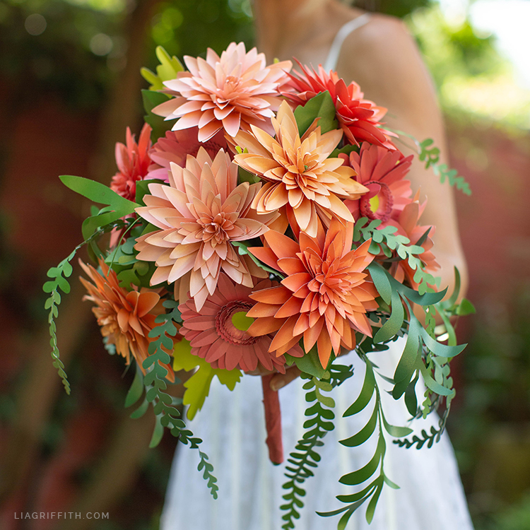 gorgeous paper dahlia and daisy bouquet