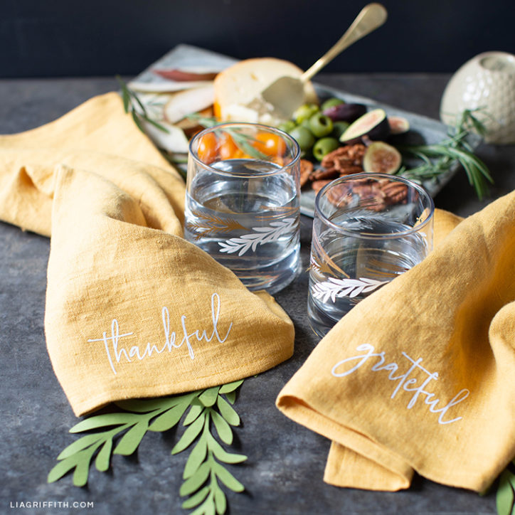 Thanksgiving SVG designs for napkins and glassware