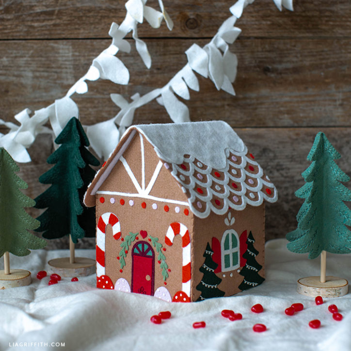 DIY felt gingerbread house and mini felt trees