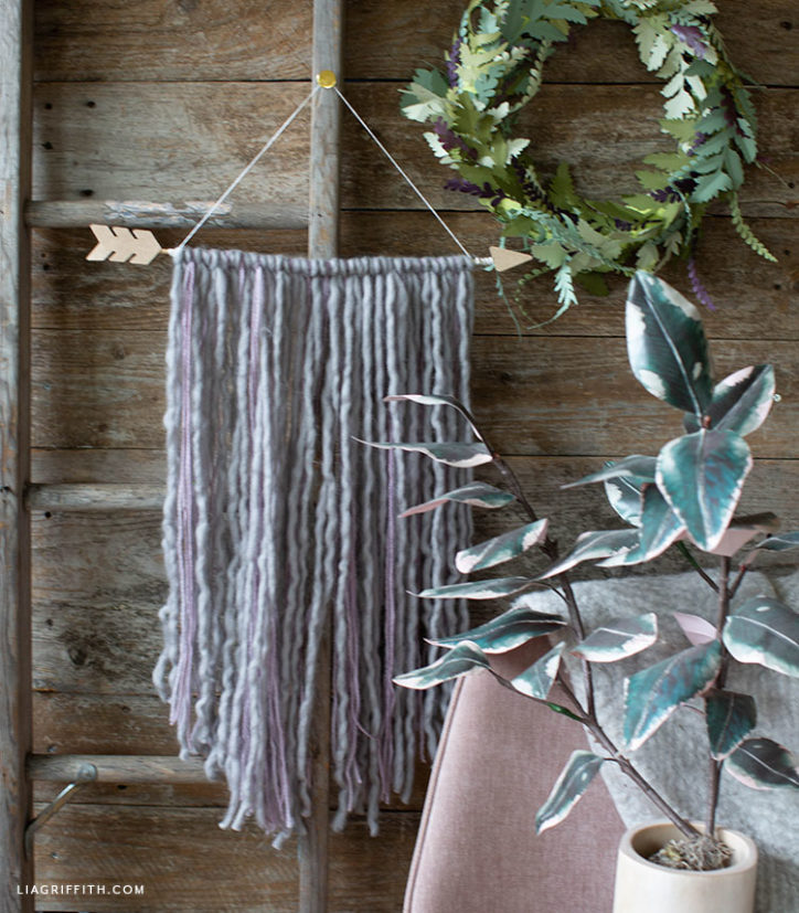 DIY arrow wall hanging