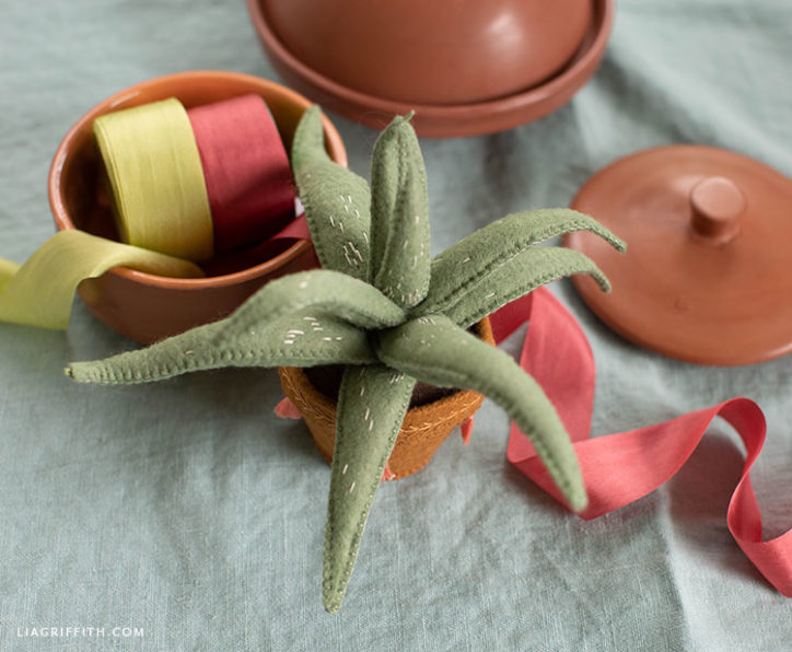 handmade felt aloe vera plant