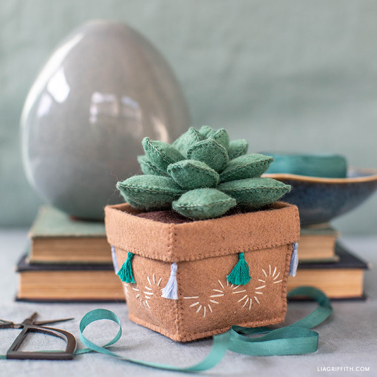 DIY felt echeveria succulent in felt pot with tassels