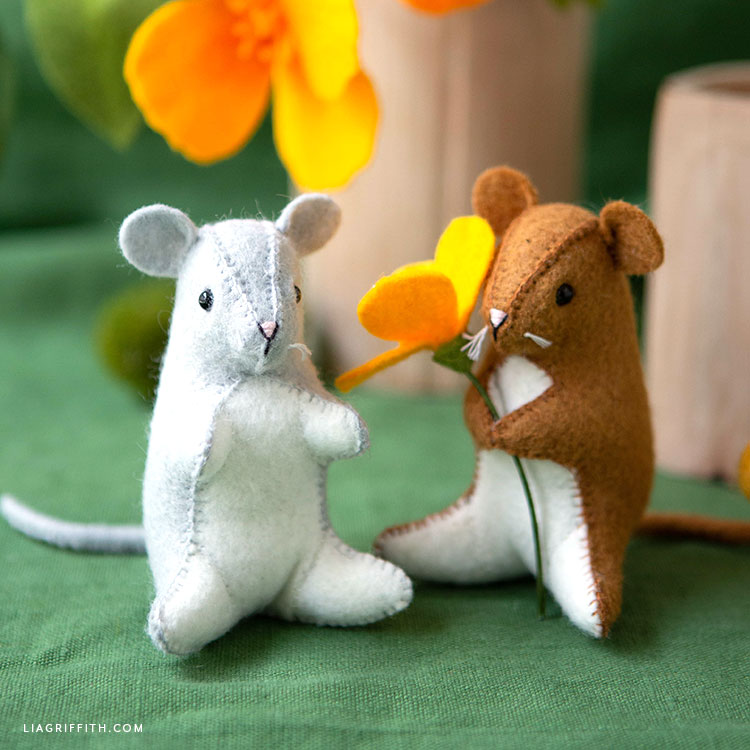 felt mouse stuffies