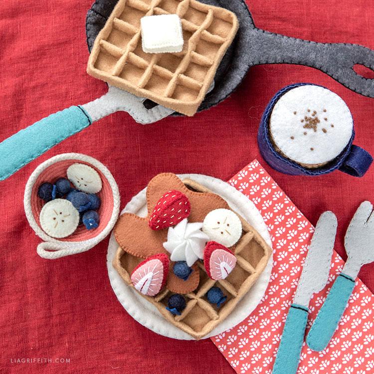 DIY felt waffles with felt utensils