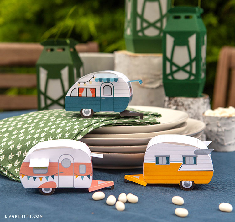 3D paper campers