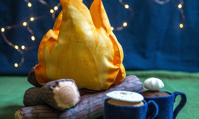 DIY fabric campfire with felt cocoa