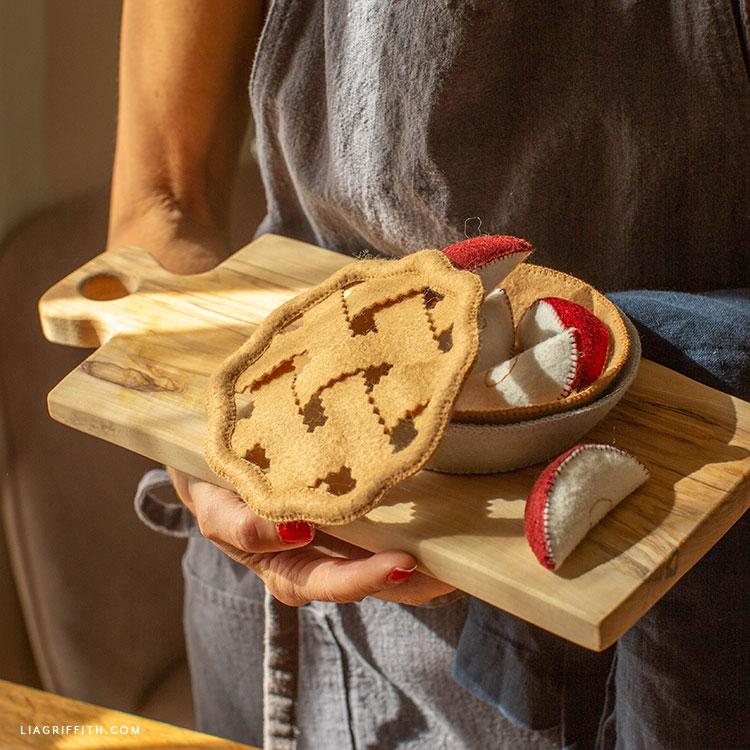 felt apple pie with removable lattice top