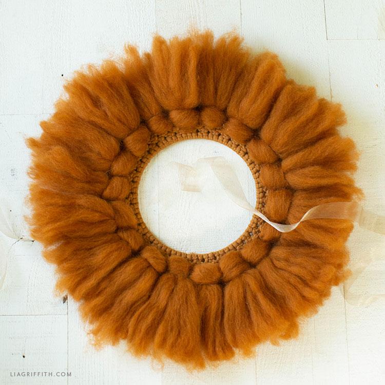 DIY macrame wool wreath in cinnamon