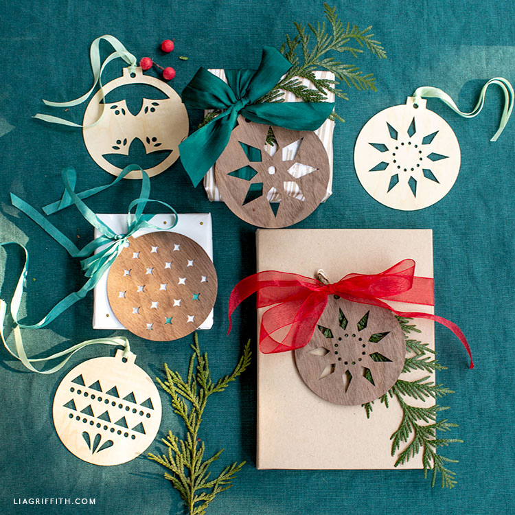 DIY Scandinavian wood ornament gift toppers