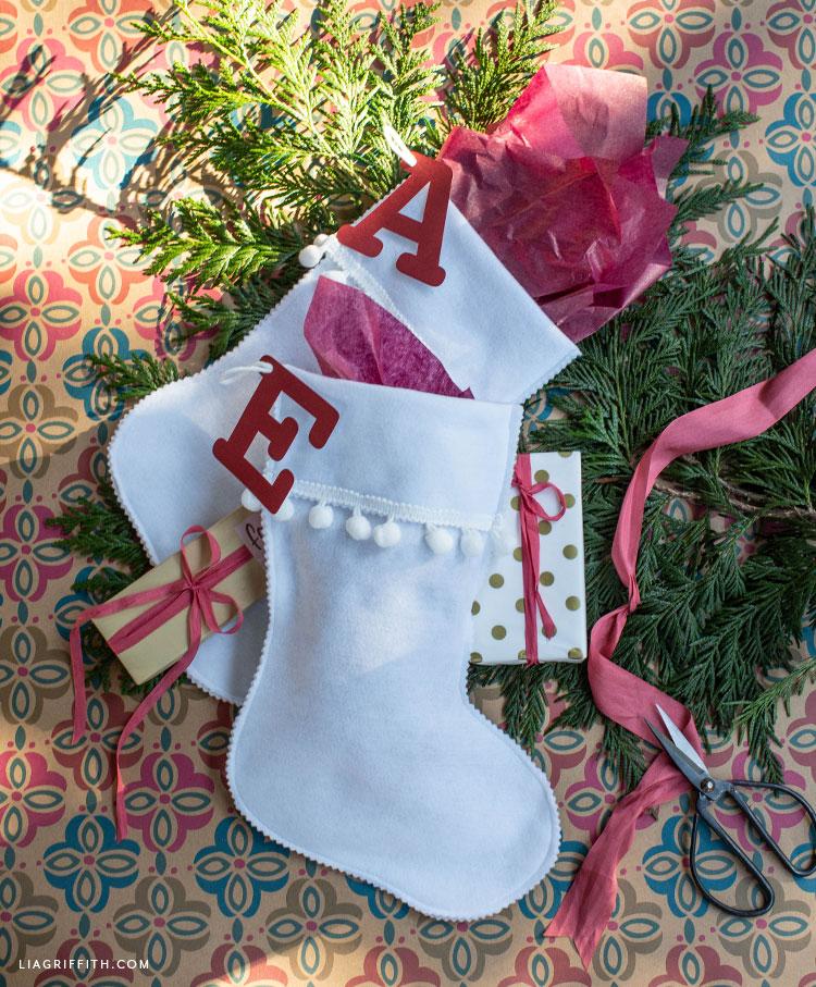 DIY felt stocking gift bags