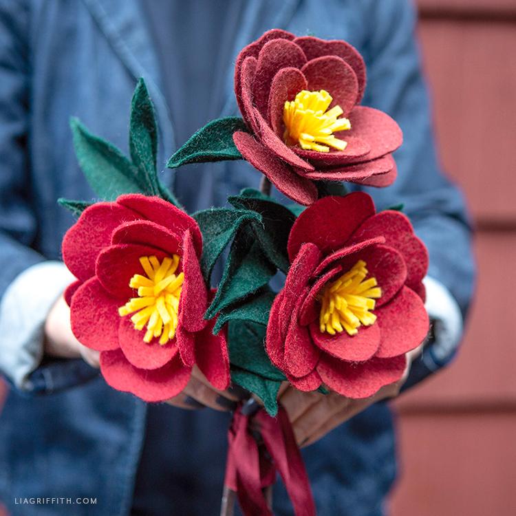DIY felt Japanese camellia bouquet