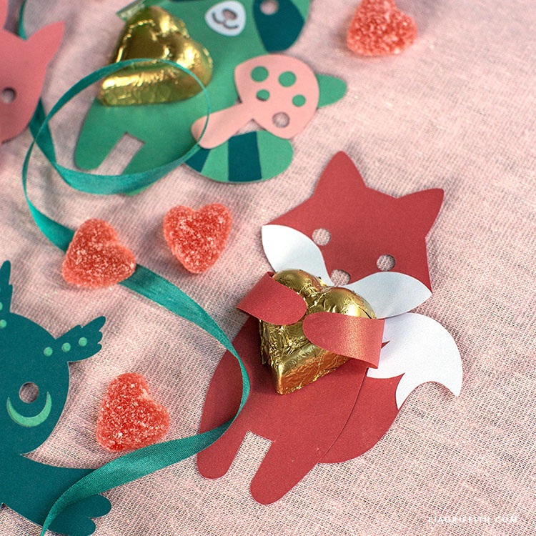 papercut animal candy huggers