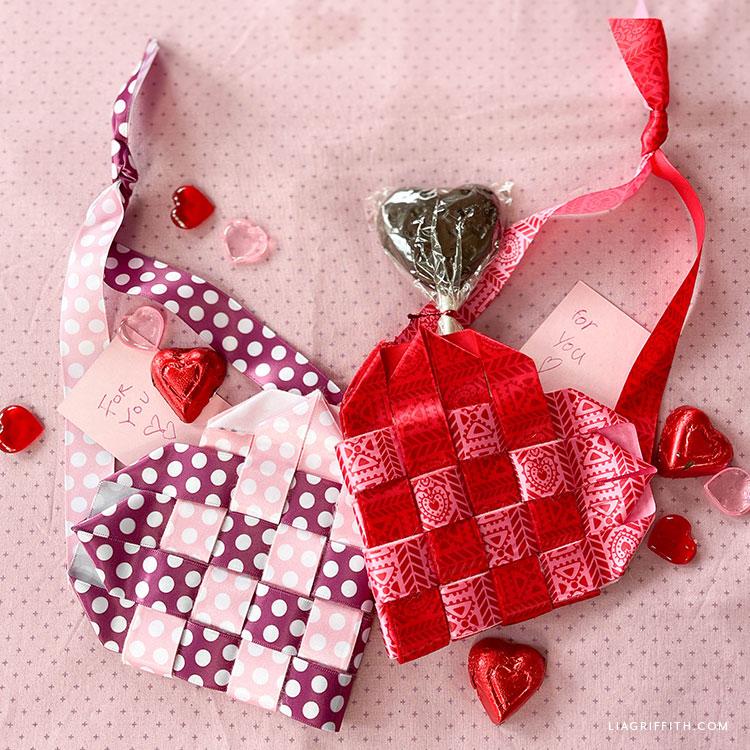 DIY dokuma şerit kalp sepetleri