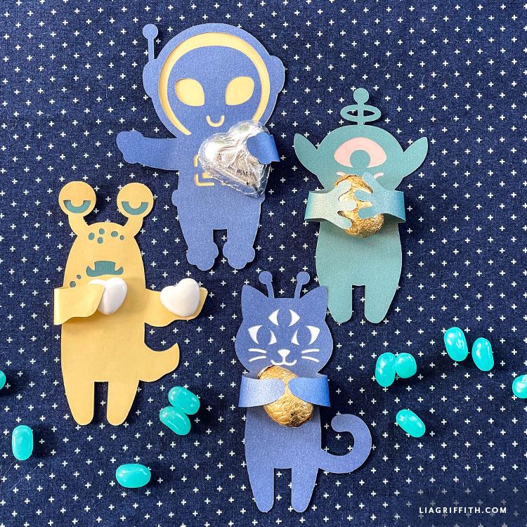 papercut alien candy huggers