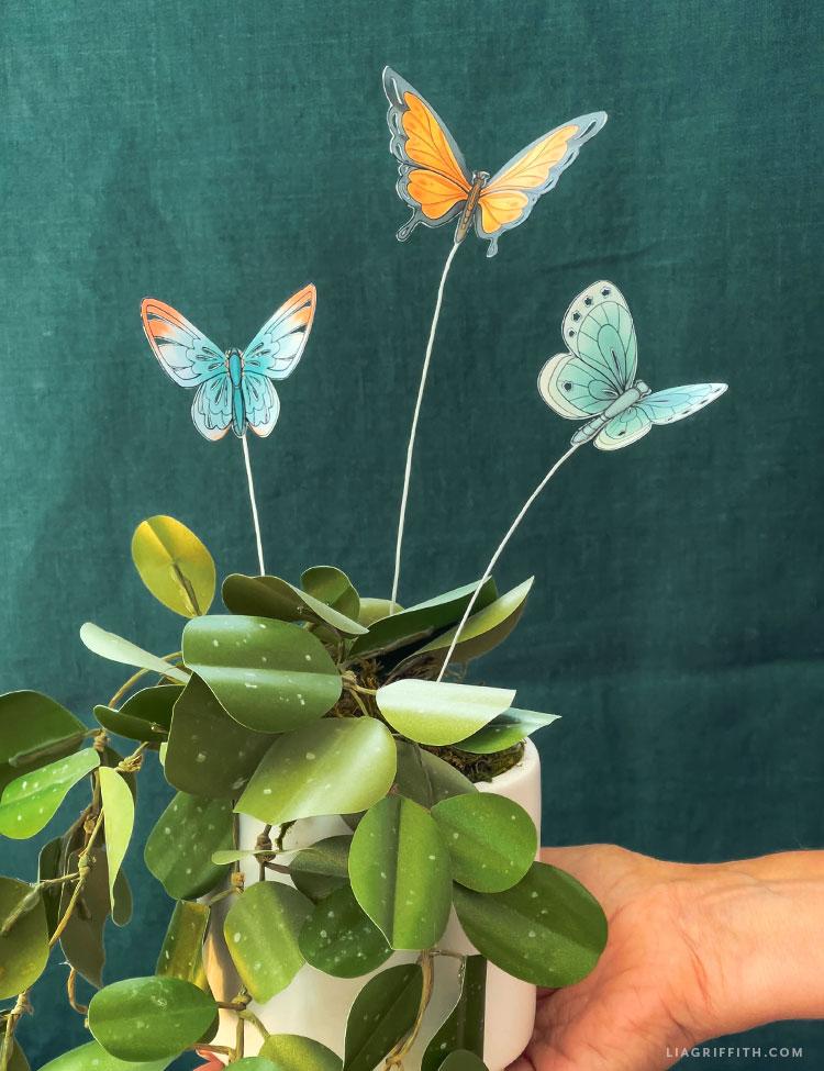 borboletas de papel na fábrica de papel faça você mesmo