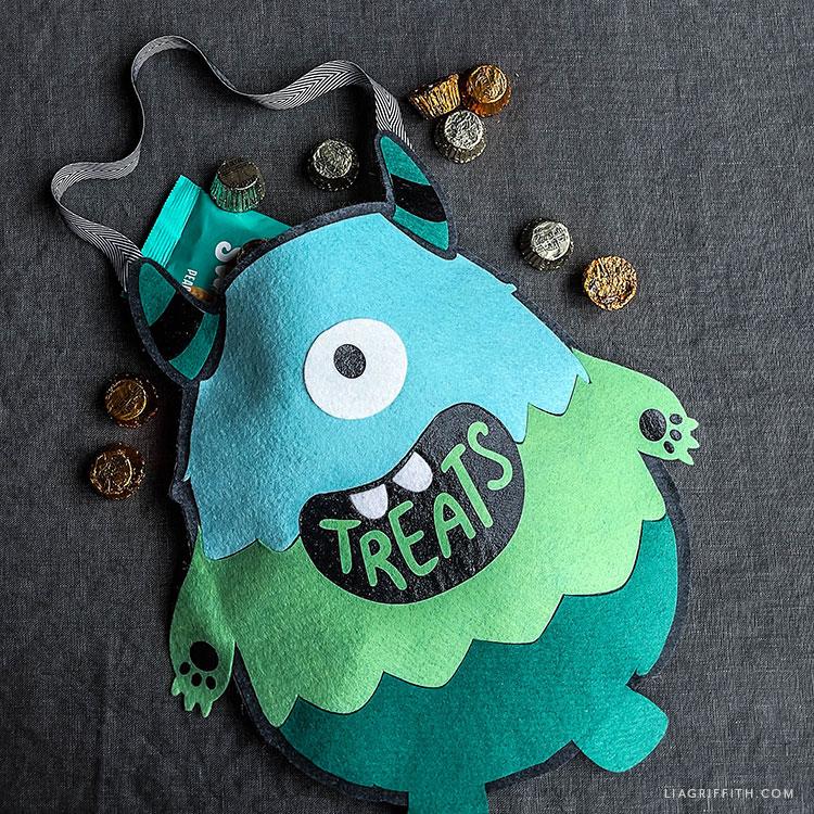 felt monster treat bag for Halloween