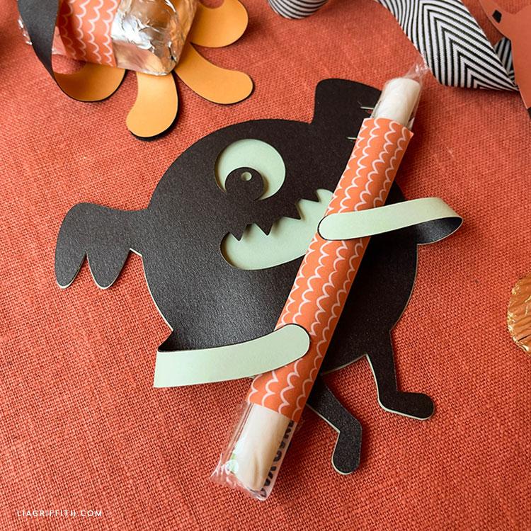 paper monster candy hugger